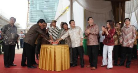 Walikota Tangerang & Direksi Tangerang City Menekan Tombol Peresmian Ground Breaking